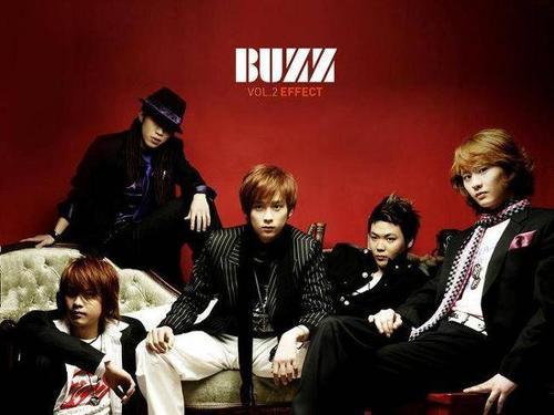 Mặc dù không quảng bá trên sóng truyền hình nhưng ca khúc Love From A Real Heart của nhóm Buzz vẫn gây tiếng vang. Trên bảng xếp hạng nhạc số, Love From A Real Heart đứng vững ngôi vị no.1 trong 11 tuần lễ.