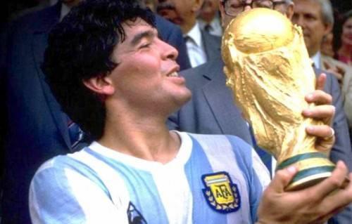 Maradona là huyền thoại của bóng đá thế giới và Argentina.