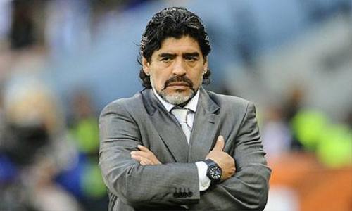 Maradona cũng ghi dấu ấn của mình tại ĐTQG
