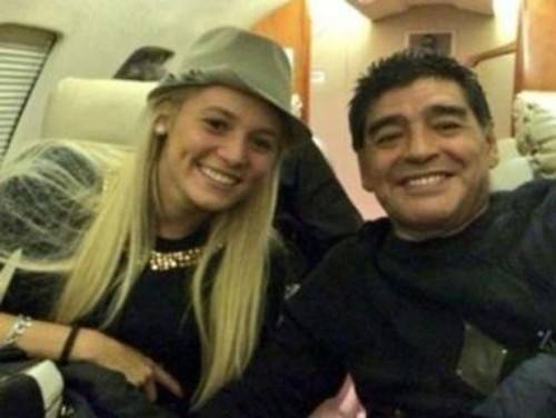 Gặp nhiều thị phi tình ái, nhưng Maradona cuối cùng cũng chọn Rocio Oliva là bến đỗ đời mình.