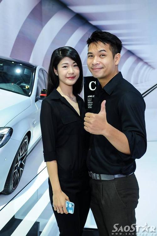 Ca sĩ - diễn viên Trương Thế Vinh và bạn gái phi công.