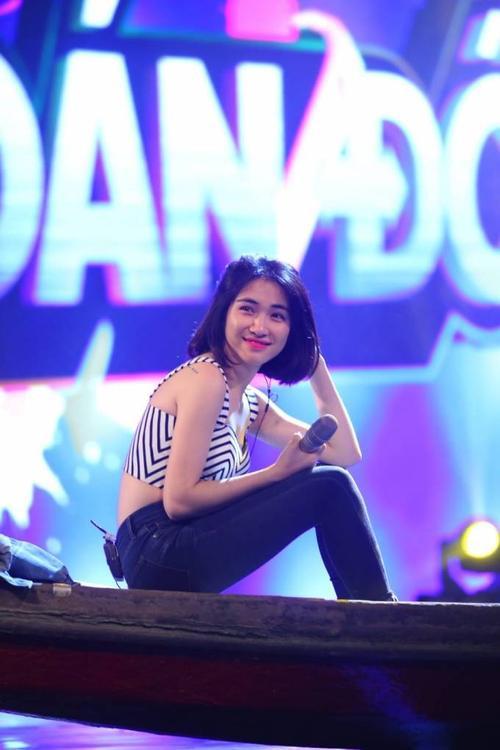 Huong Giang Idol va Hoa Minzy 25