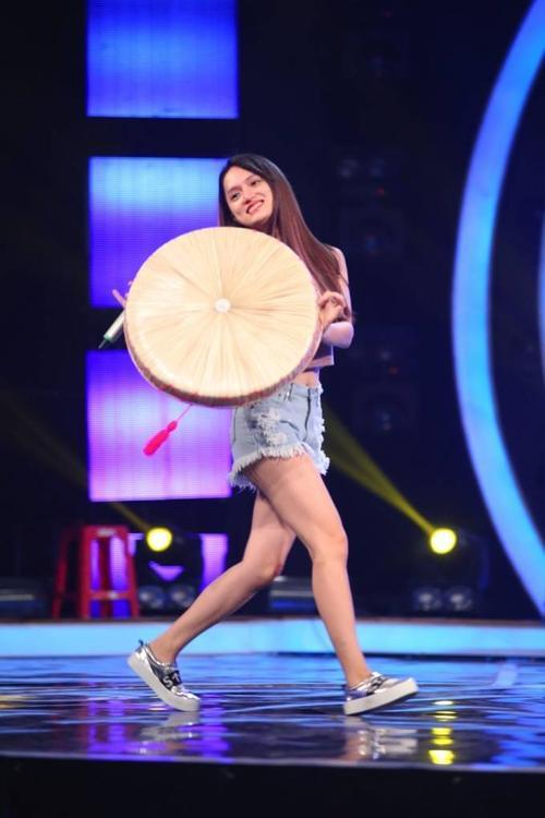 Huong Giang Idol va Hoa Minzy 34