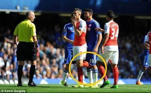 Hành động không đẹp của Diego Costa mà fan Arsenal xem anh là kẻ thù