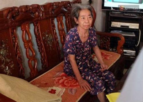 Bà cụ N. đang được con gái út chăm sóc tại nhà riêng.