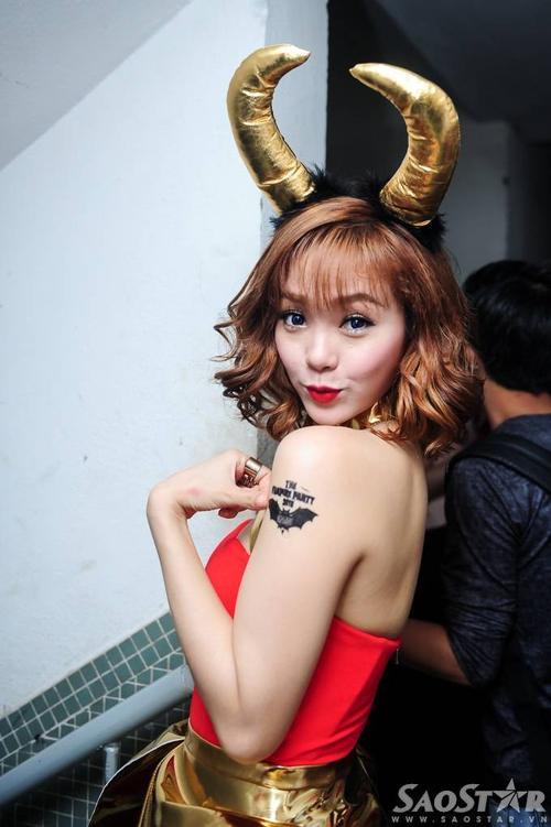 Minh Hang (99)