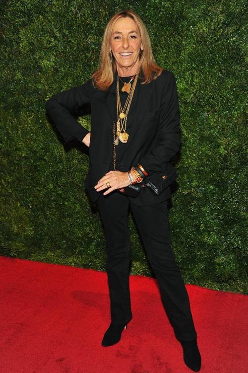 """""""Phong cách Pháp là điệu bộ và sự kiêu hãnh"""", stylist Carlyne Cerf De Dudzeele khẳng định."""