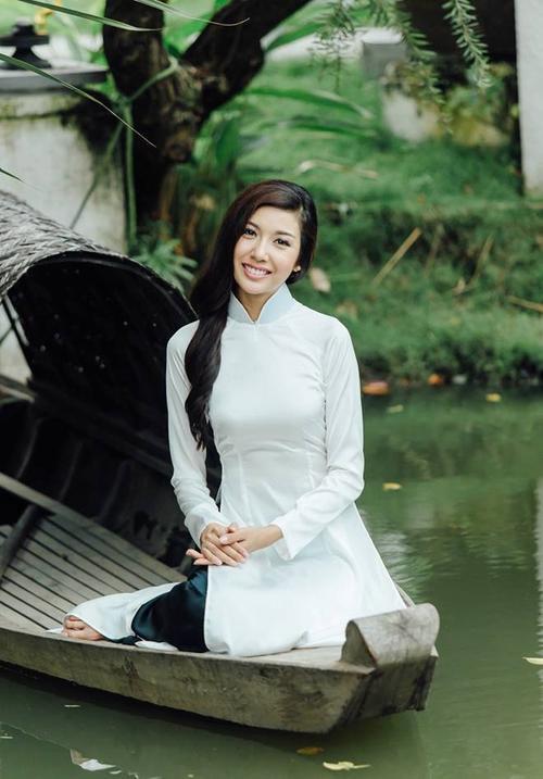 Hình ảnh của Thúy Vân trong MV My Vietnam.