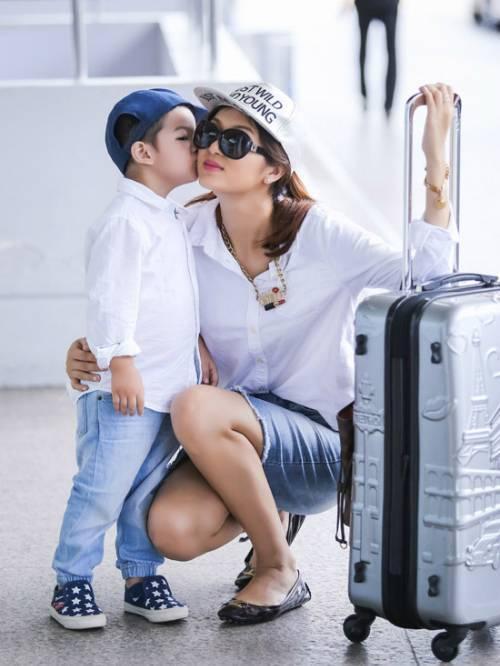 Oanh Yen va con trai