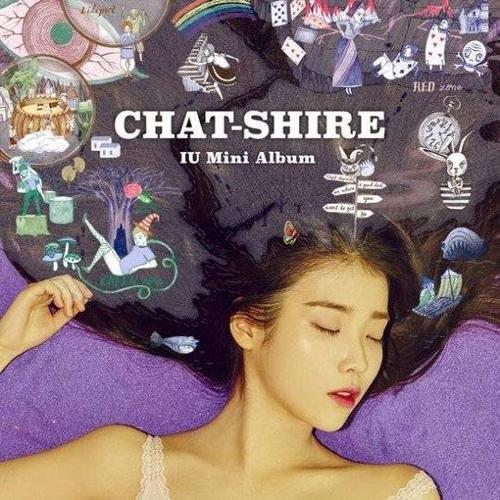Bìa đĩa album CHAT-SHIRE của IU.