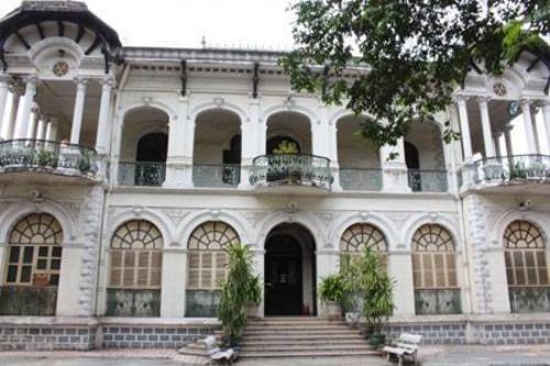 Toàn cảnh căn biệt thự Phương Nam hơn 100 tuổi (Ảnh: Hà Nguyễn).