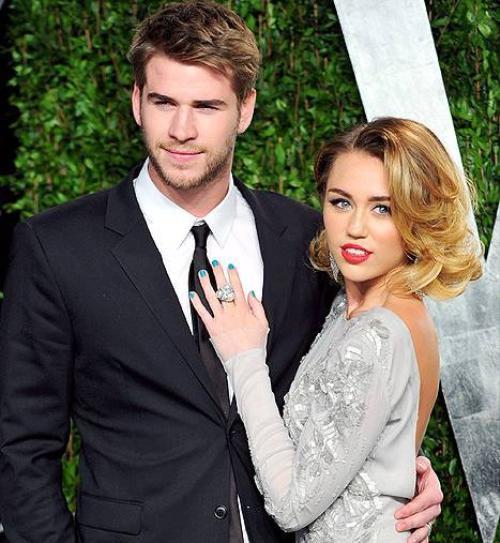Miley và Liam có 5 năm bên nhau trước khi chia tay.