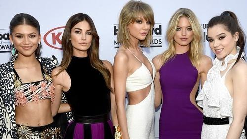 Taylor Swift và biệt đội bạn bè trên thảm đỏ.