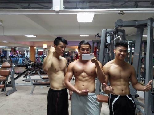 Các bạn cần ăn đủ và tập luyện hợp lý để cơ thể phát triển tốt nhất về cân nặng và số đo hình thể.