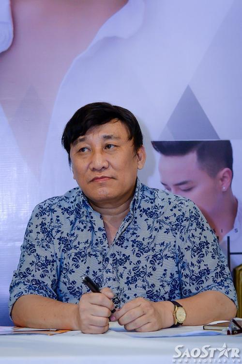 Ông bầu Hoàng Tuấn. Trong album mới, anh là người đảm nhận vai trò tư vấn cho Cao Thái Sơn trong khâu chọn bài hát.