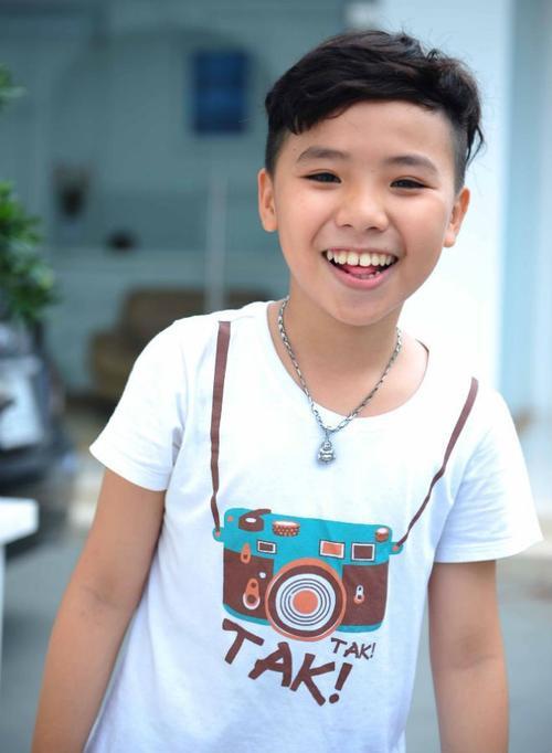 Ca sĩ nhí Nguyễn Công Quốc.