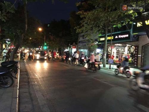 Đoạn đường Hàng Bông nơi xảy ra vụ việc.