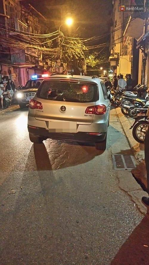 Cận cảnh chiếc ô tô gây tai nạn - (Ảnh: Hoàng Anh).