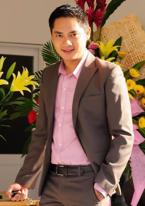 Minh Luân không quan tâm đến những tin đồn về mình. Nam diễn viên bản lĩnh và mạnh mẽ nhờ đi lên từ khó khăn.
