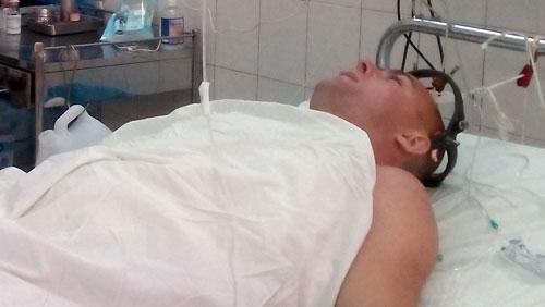 Nam du khách người Nga bị sóng đánh trọng thương.