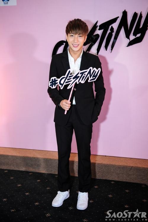 Hot boy - diễn viên B Trần.