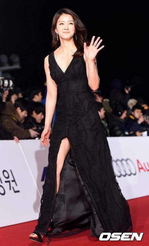 Kiều nữ Lee Si Young từng vướng scandal băng nóng cách đây không lâu.