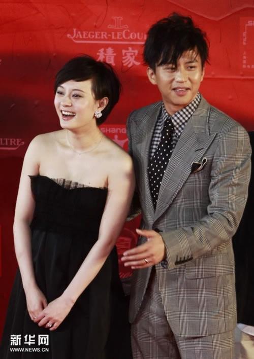 Ổn định và lâu dài là những gì miêu tả cặp sao Tôn Lệ - Đặng Siêu. Hai vợ chồng họ kiếm được 14,8  triệu USD nhờ vào tham gia show, đóng phim và quảng áo chung.