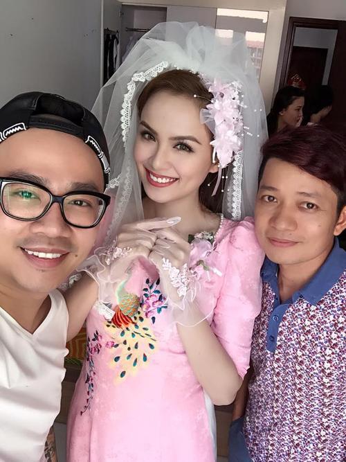 Cô dâu Diễm Hương trông rất rạng rỡ và xinh đẹp chuẩn bị đón nhà trai đến. Ảnh: Minh Lộc.