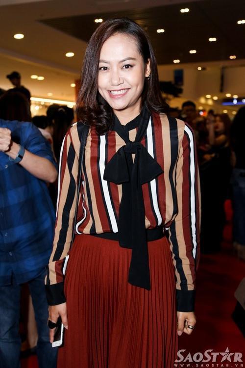 Hình ảnh trẻ trung tươi vui của Hồng Ánh khác hẳn nhân vật của cô trong phim