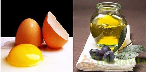 trứng gà, dầu oliu
