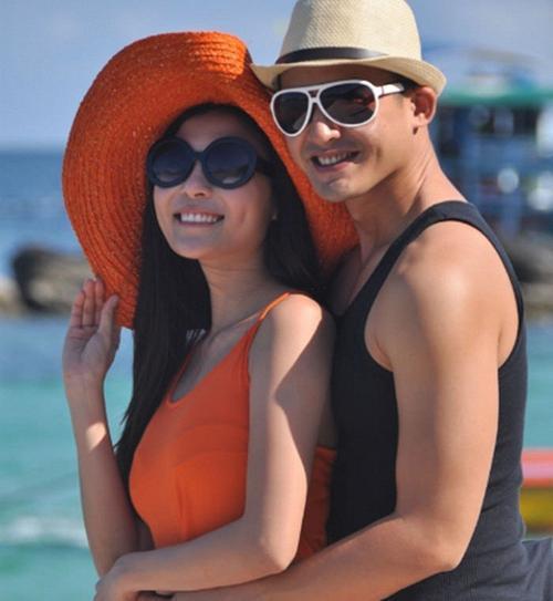 Cặp đôi này có nhiều đường nét khuôn mặt giống nhau, đặc biệt là má lún đồng tiền.