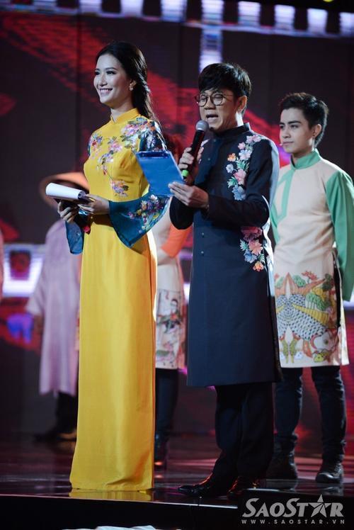 MC Mỹ Linh và Thành Lộc mang lại nhiều không khí thoải mái, hài hước cho đêm bế mạc.