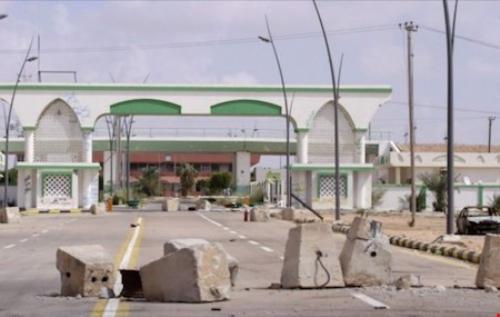 Căn cứ không quân ở Sirte gần Địa Trung Hải, thuận tiện cho IS tiến hành các cuộc không kích cảm tử vào châu Âu - Ảnh: Reuters