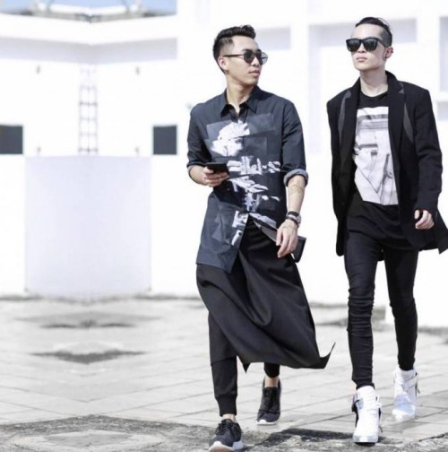 Hoàng Ku và Kelbin Lei ấn tượng với quần leggings/treggings.