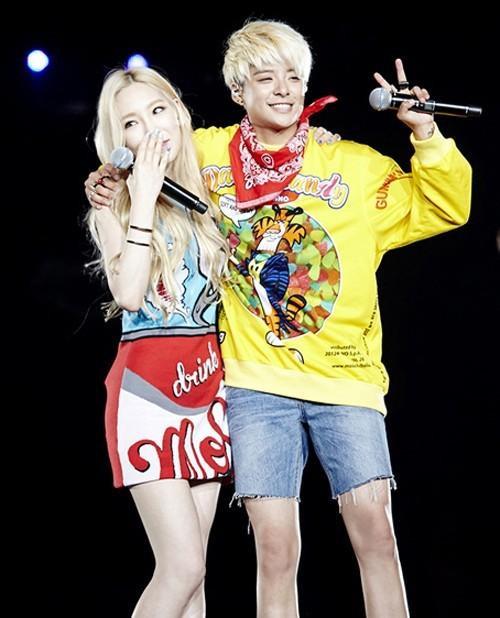 Nữ ca sĩ góp giọng trong album solo của đàn em Amber cùng công ty quản lý.