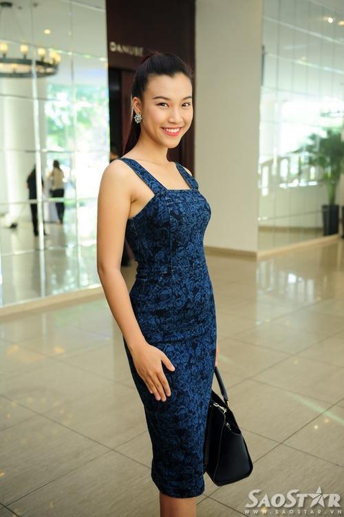 MC Hoàng Oanh cũng tranh thủ tới tham gia sự kiện.