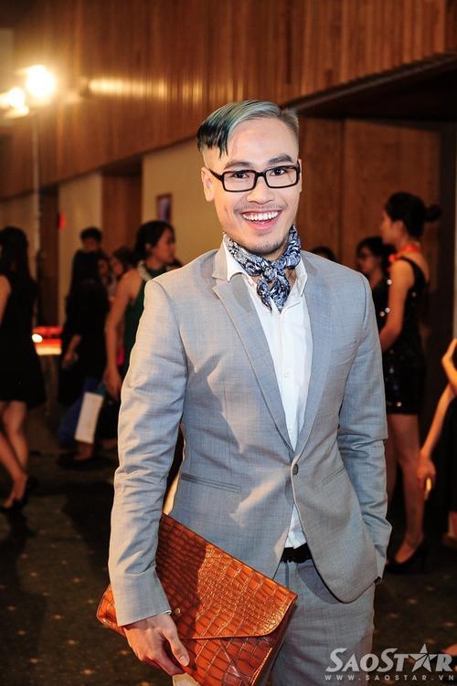 Ca nhạc sĩ Đinh Huy.