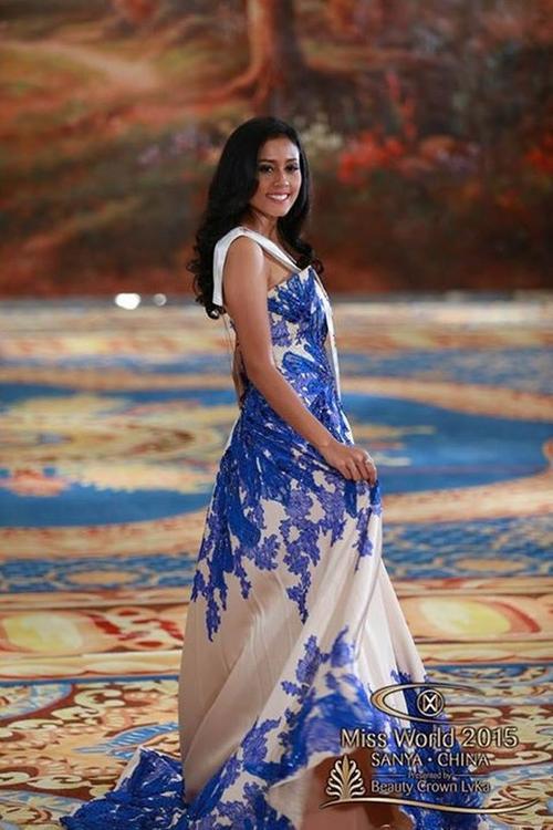 Người đẹp Indonesia trong bộ váy thuwots tha.