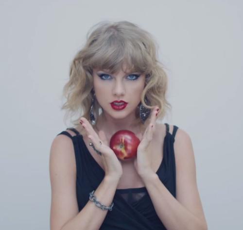 Blank Space là một trong những hit tiêu biểu của Taylor Swift.
