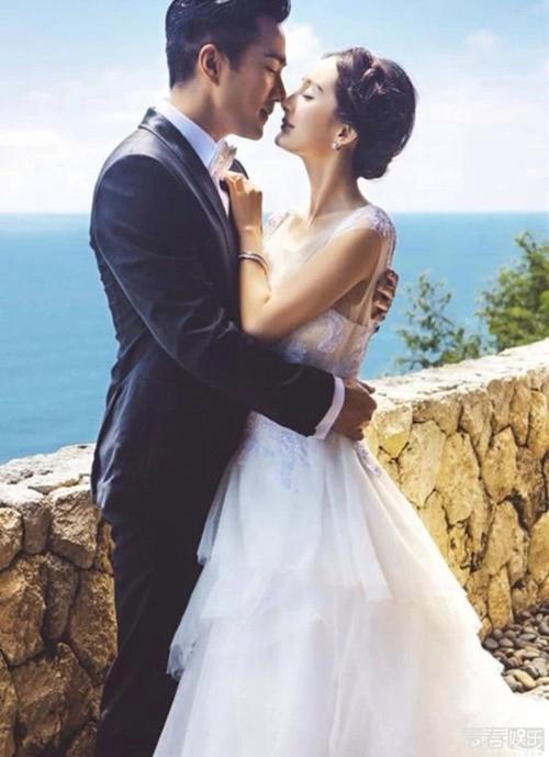 Bà mối bén duyên cho các cặp đôi (1)