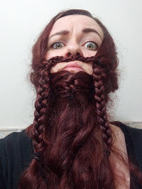 Những từ khóa liên quan đến trào lưu bện tóc thành râu xuất hiện ngày một nhiều, chỉ cần gõ vào ô tìm kiếm xu hướng này, bạn sẽ tìm thấy hàng trăm, hàng ngàn bức ảnh liên quan.