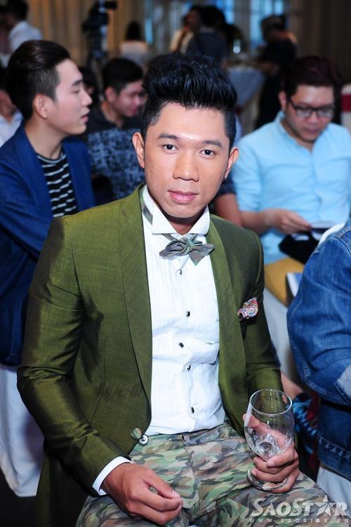 Nhạc sĩ Lương Bằng Quang. Anh là người đảm nhận phần hòa âm, thu âm cho Trà Ngọc Hằng trong sản phẩm đánh dấu sự trở lại này.