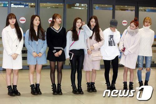 8 cô gái phải trở về Hàn sau 15 tiếng bị giữ ở sân bay Los Angeles, Mỹ.