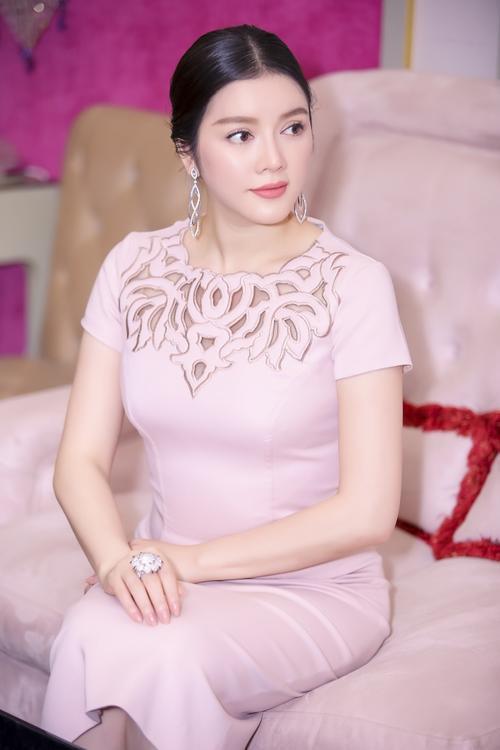 Ly Nha Ky (4)