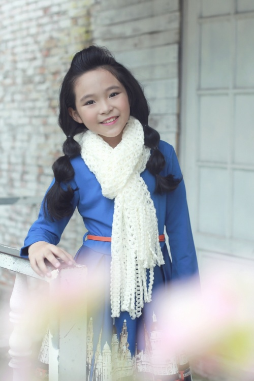 MUA GIANG SINH AN LANH- be Hue Nhi (2)
