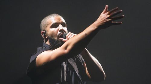 Drake - giọng ca thích khiến người hâm mộ bất ngờ.