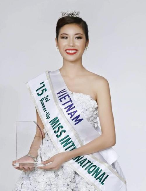 Phạm Hồng Thúy Vân giành Á hậu 3 Hoa hậu Quốc tế 2015