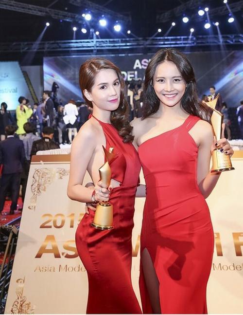 Ngọc Trinh được vinh danh Nữ hoàng Bikini châu Á