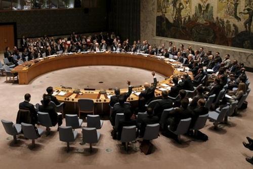 Các bộ trưởng tài chính những nước thành viên Hội đồng Bảo an Liên Hợp Quốc hôm qua tán thành nghị quyết chặn nguồn tài trợ cho IS, tại trụ sở Liên Hợp Quốc ở New York, Mỹ. Ảnh: Reuters