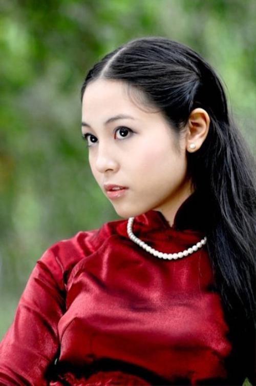 Ngoài mái tóc thì Phương Thu còn có gương mặt khá ăn ảnh.